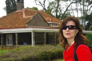 MITT AFRIKA: Her er jeg utenfor Karen Blixens hus i Nairobi